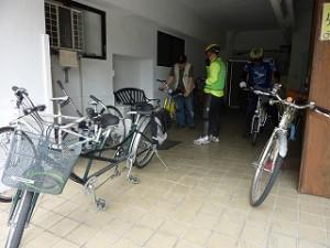 タンデム自転車が集まるガレージ
