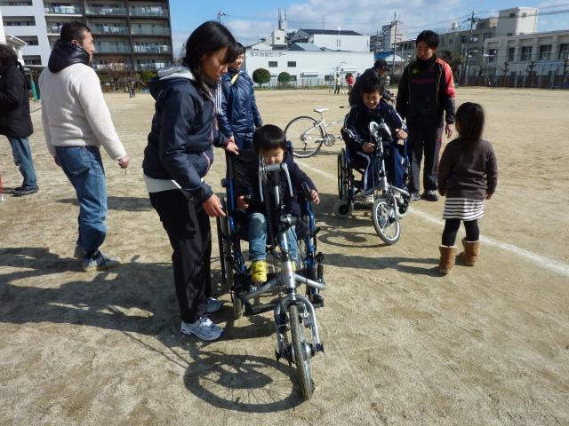 自転車の 自転車 親子乗り : ... 自転車1台とハンドサイクル2