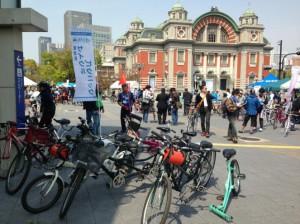 (写真)タンデム自転車が待機しているところ