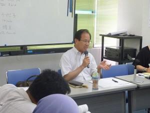 裁判について話していただいた村松弁護士。