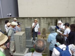 庄屋さんの一人西尾六右衛門の墓