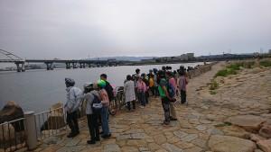 大阪湾を眺める