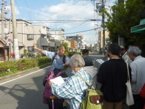 地図と見比べながら、藤村さんの推論を伺います。本当は淡路5丁目の方まで水路は続いていた模様です。