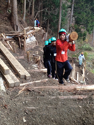 津波の際、高台に避難するための避難道の整備ボランティア